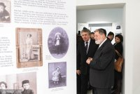 Exhibition hall with photographs from the family archive of Meir Shapira.
